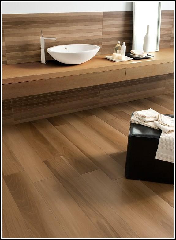 fliesen in holzoptik badezimmer fliesen house und dekor galerie yqx1avdrk0. Black Bedroom Furniture Sets. Home Design Ideas