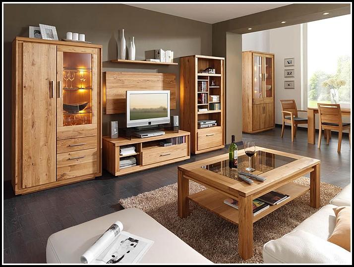 Wohnzimmer Mit Holzmöbeln