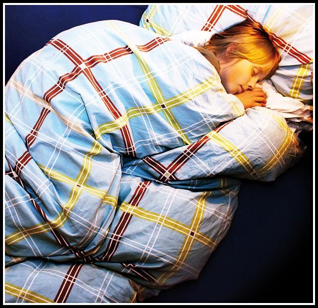 1 jahriges kind will nicht im eigenen bett schlafen betten house und dekor galerie 4qra3lgw3e. Black Bedroom Furniture Sets. Home Design Ideas