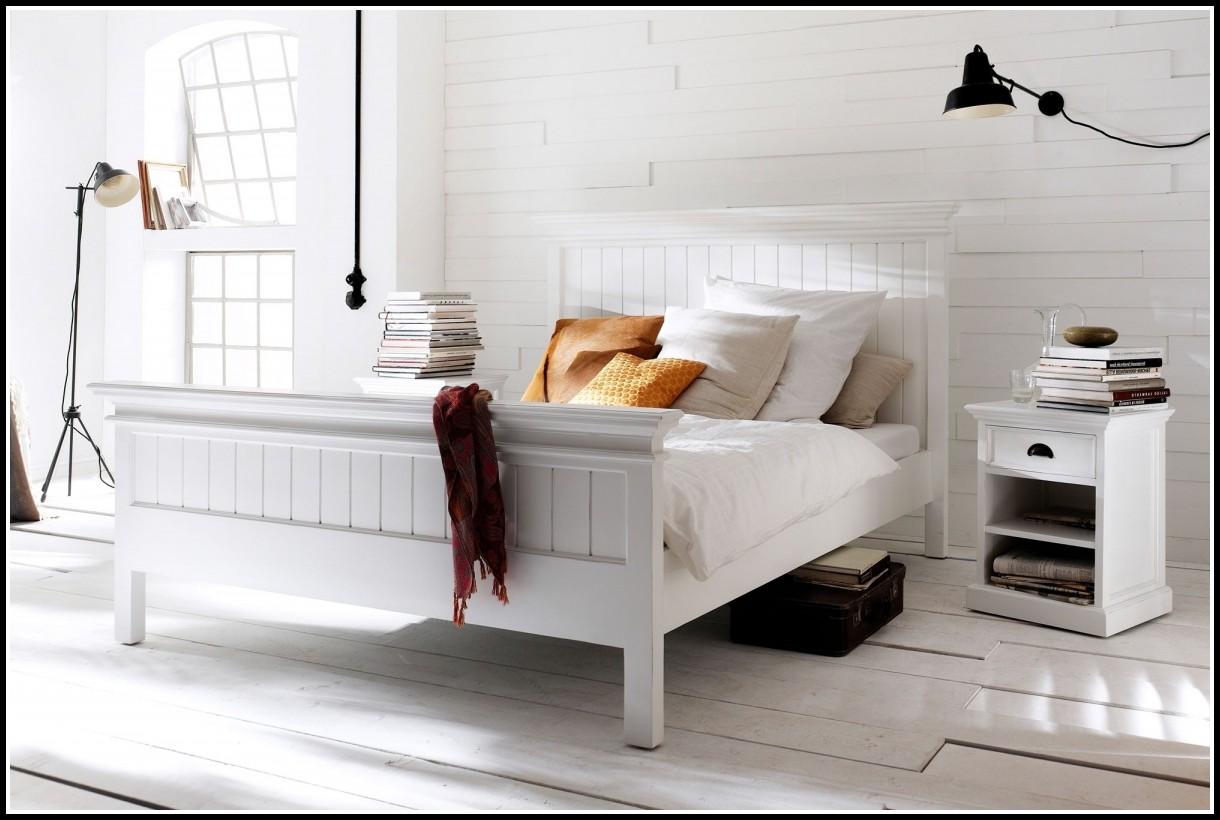 Bett 200x200 Weis Landhaus