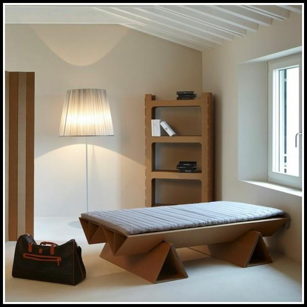 bett aus pappe selber bauen betten house und dekor galerie 9k1worl1lz. Black Bedroom Furniture Sets. Home Design Ideas
