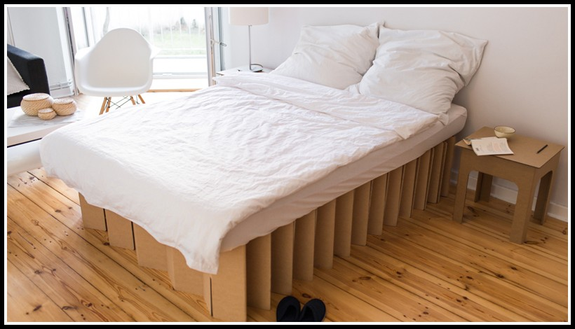 bett aus pappe betten house und dekor galerie xp1od37rdj. Black Bedroom Furniture Sets. Home Design Ideas