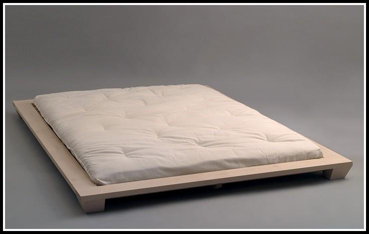 bett ohne rahmen betten house und dekor galerie. Black Bedroom Furniture Sets. Home Design Ideas