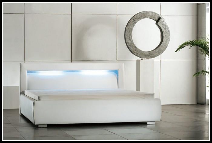 betten-140x200-mit-lattenrost-und-matratze