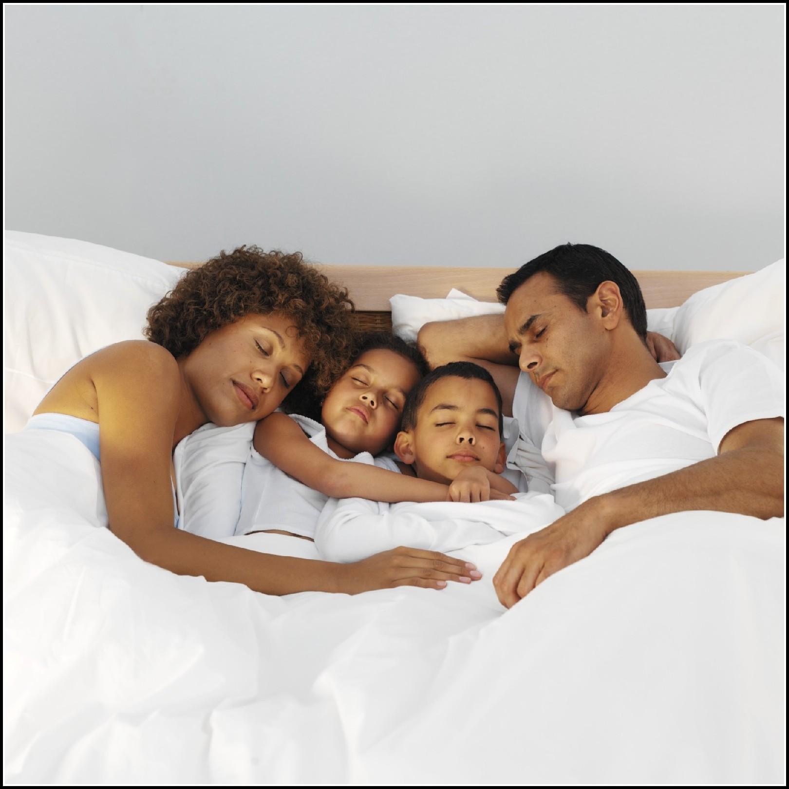 kind will nachts nicht im eigenen bett schlafen betten house und dekor galerie 3erowmerq5. Black Bedroom Furniture Sets. Home Design Ideas