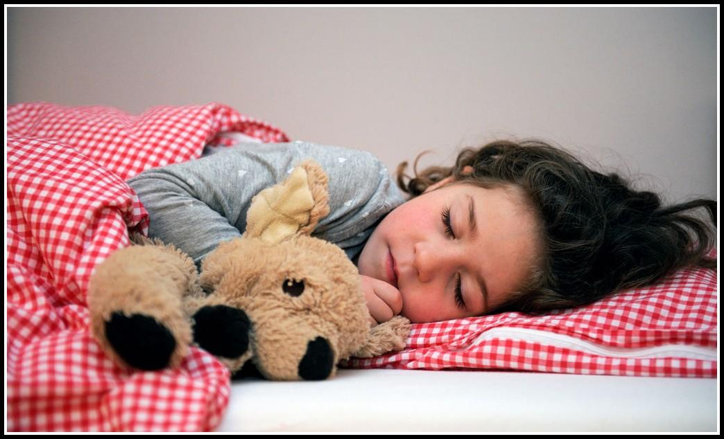 kind will nicht mehr im eigenen bett schlafen betten house und dekor galerie re1ldyy12p. Black Bedroom Furniture Sets. Home Design Ideas