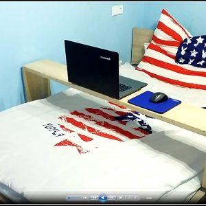 laptop im bett tisch betten house und dekor galerie. Black Bedroom Furniture Sets. Home Design Ideas