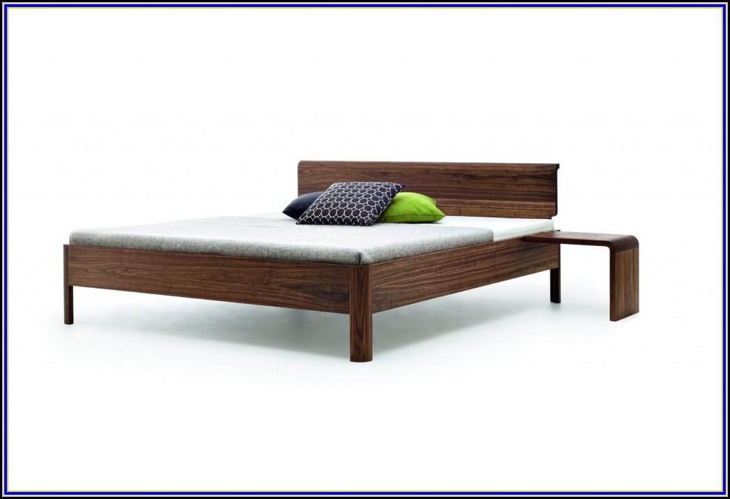 malm bett mit nachttisch betten house und dekor galerie jxrdxjarpr. Black Bedroom Furniture Sets. Home Design Ideas