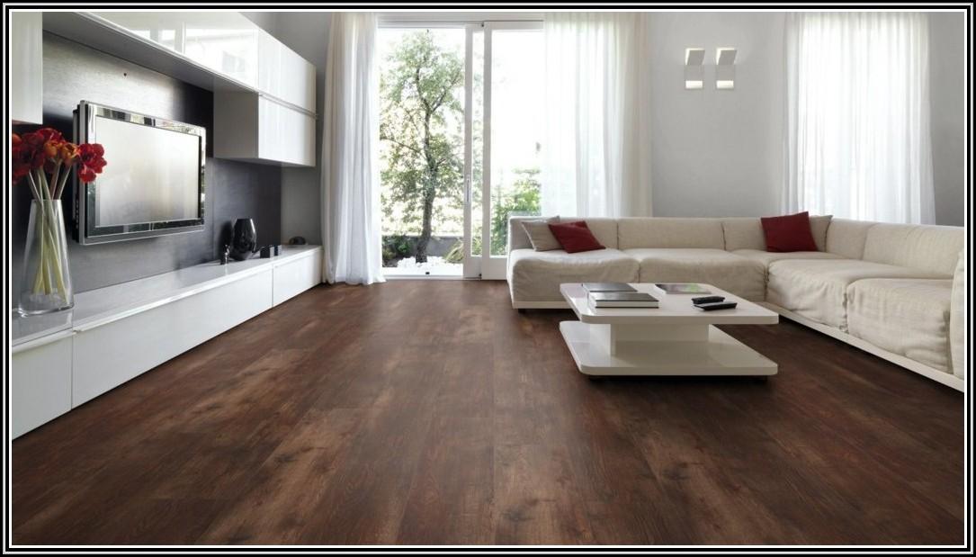 vinylboden selbstklebend auf fliesen verlegen fliesen house und dekor galerie a2knggyw3j. Black Bedroom Furniture Sets. Home Design Ideas