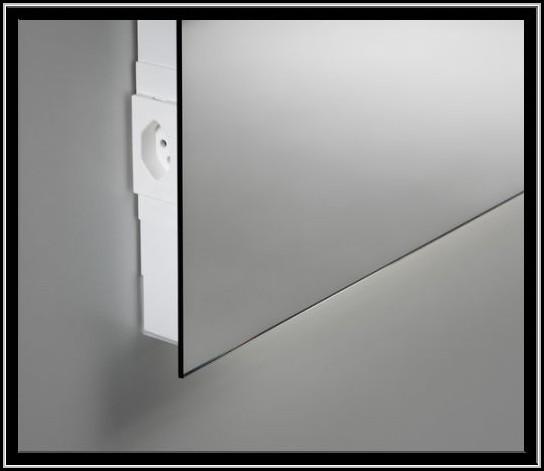 Bad spiegelschrank mit beleuchtung und steckdose for Spiegelschrank bad mit beleuchtung und steckdose