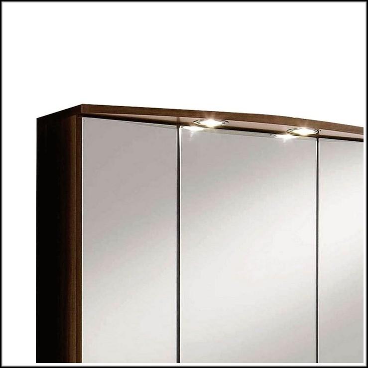 badbeleuchtung led oder halogen beleuchthung house und dekor galerie dgwjnn3wba. Black Bedroom Furniture Sets. Home Design Ideas