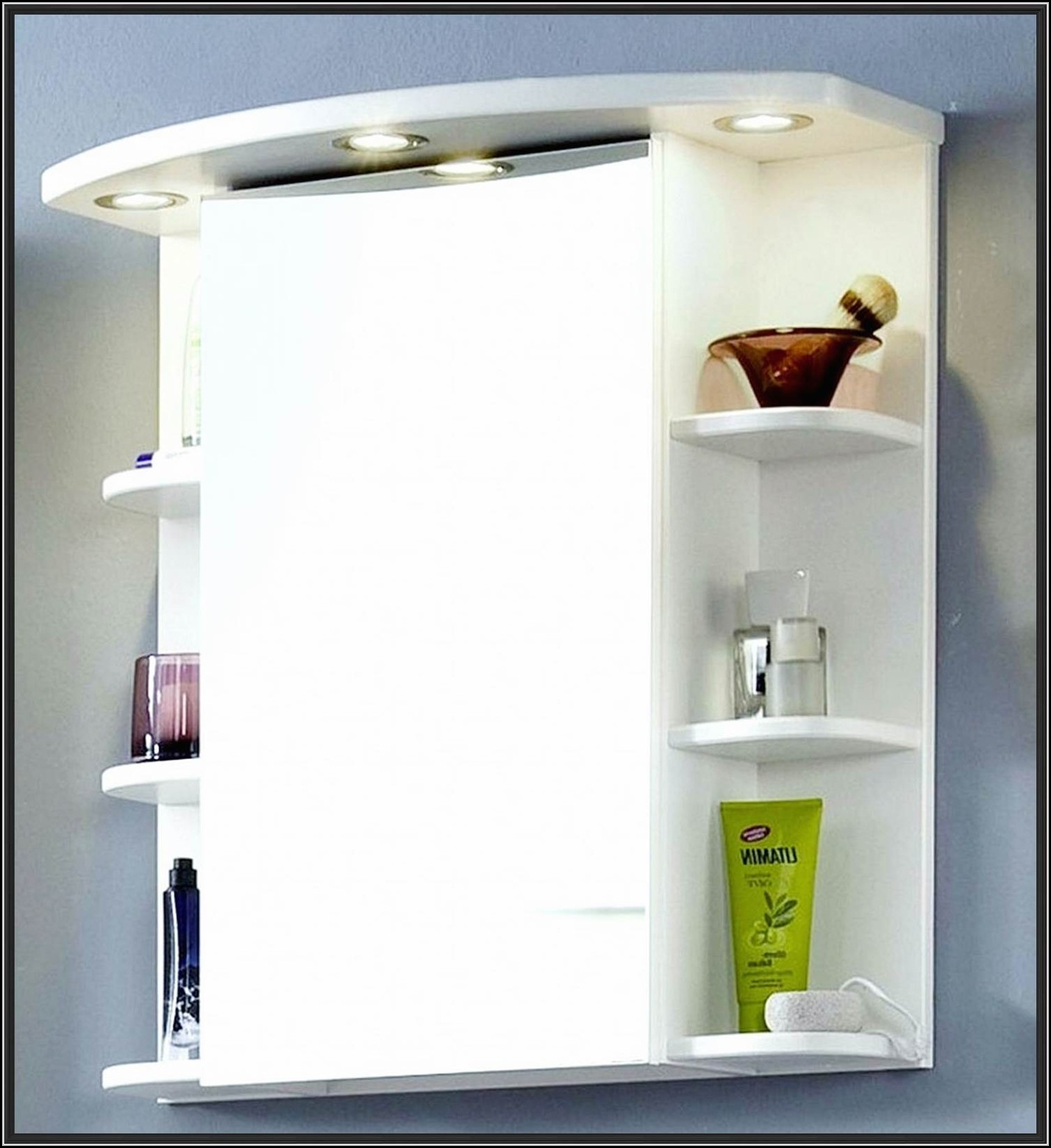 Badezimmer spiegelschrank mit beleuchtung und steckdose for Spiegelschrank mit steckdose