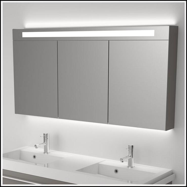 badspiegel mit led beleuchtung und radio beleuchthung. Black Bedroom Furniture Sets. Home Design Ideas