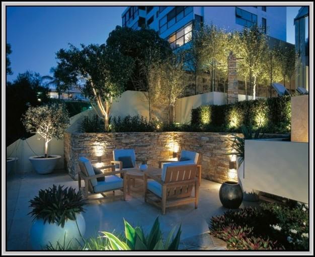 beleuchtung im garten solar beleuchthung house und dekor galerie d5wm7zar9p. Black Bedroom Furniture Sets. Home Design Ideas