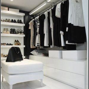 Indirekte Beleuchtung Begehbarer Kleiderschrank