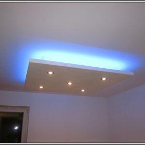 indirekte beleuchtung hinter bett selber bauen betten house und dekor galerie 3erovpb1q5. Black Bedroom Furniture Sets. Home Design Ideas