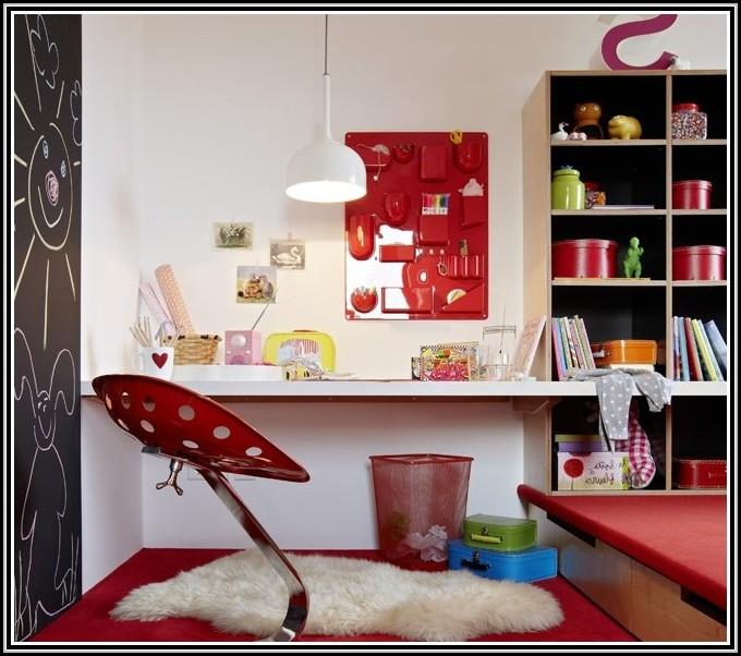 Kinderzimmer Mit Schreibtisch