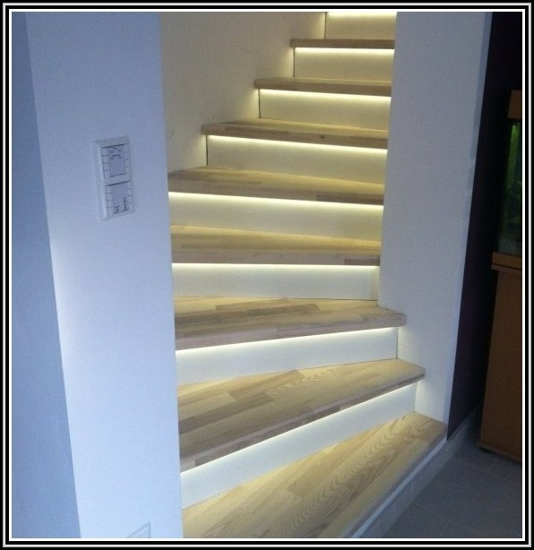 stufenbeleuchtung led leiste beleuchtung treppenstufe beleuchthung house und dekor galerie. Black Bedroom Furniture Sets. Home Design Ideas