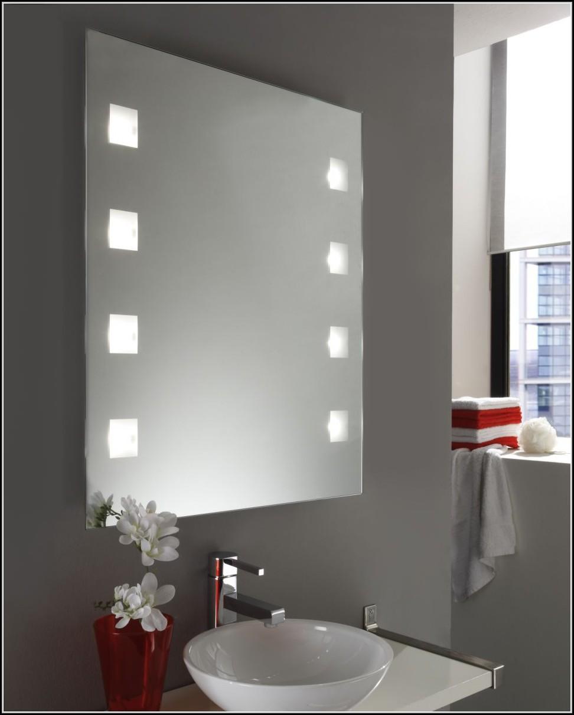 wandspiegel mit led beleuchtung beleuchthung house und dekor galerie qokbwplwoe. Black Bedroom Furniture Sets. Home Design Ideas