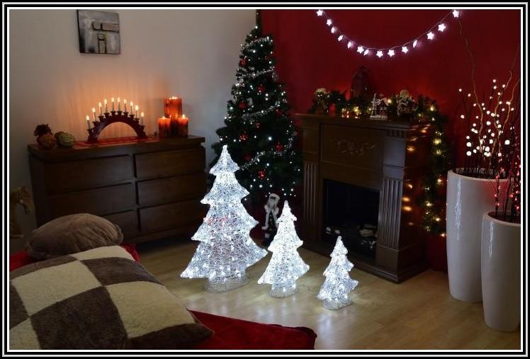 weihnachtsbaum mit beleuchtung aussen beleuchthung. Black Bedroom Furniture Sets. Home Design Ideas