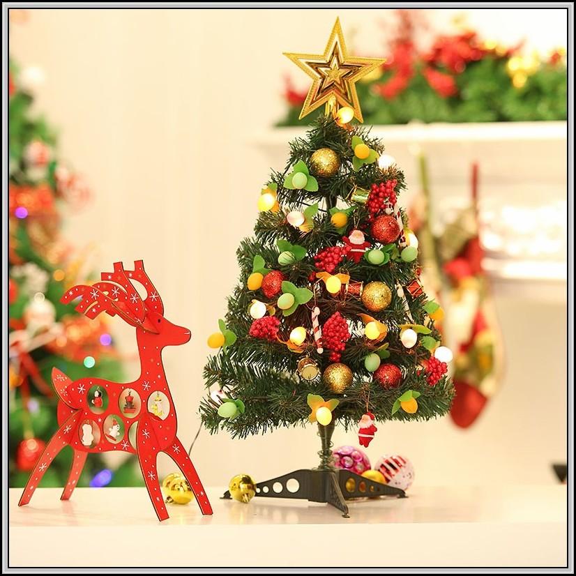 weihnachtsbaum mit beleuchtung und schmuck beleuchthung. Black Bedroom Furniture Sets. Home Design Ideas