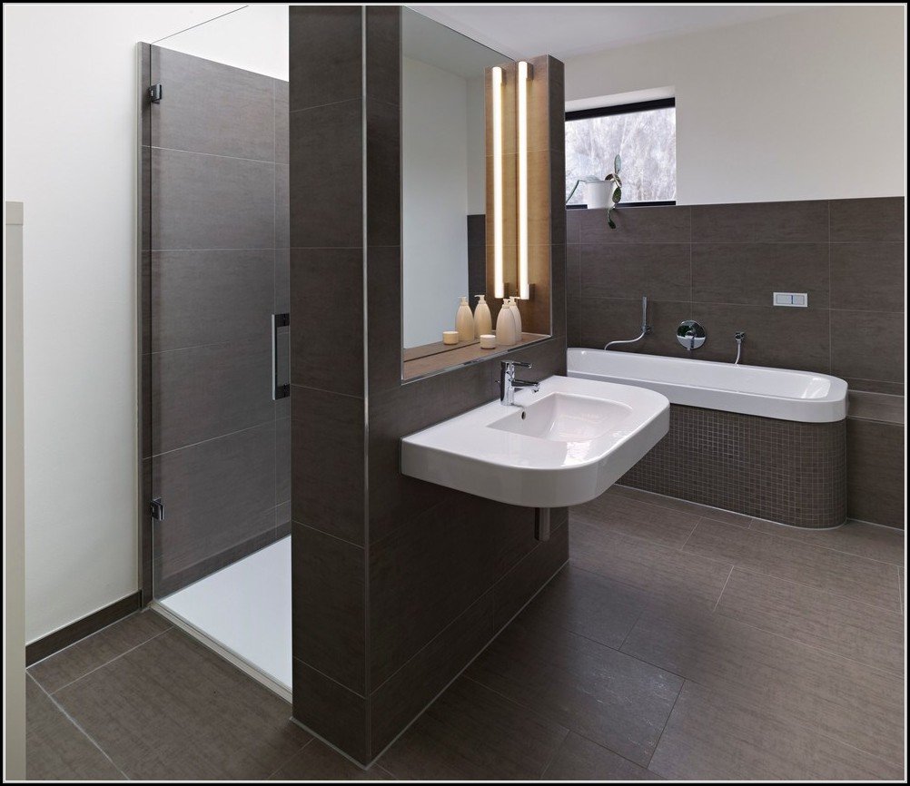 badewanne mit duschkabine riano badewanne house und. Black Bedroom Furniture Sets. Home Design Ideas