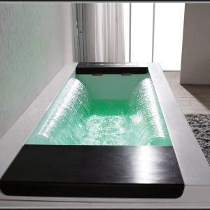 2 personen badewanne whirlpool badewanne house und dekor galerie xg12oo7rmz. Black Bedroom Furniture Sets. Home Design Ideas