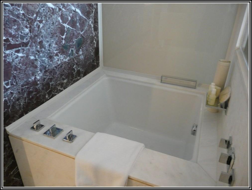 dusche neben der badewanne badewanne house und dekor. Black Bedroom Furniture Sets. Home Design Ideas
