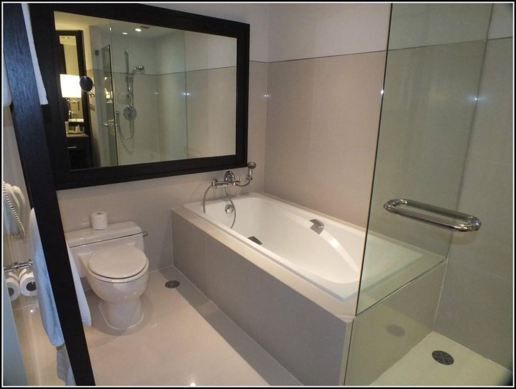 Kleines Bad Mit Dusche Und Badewanne