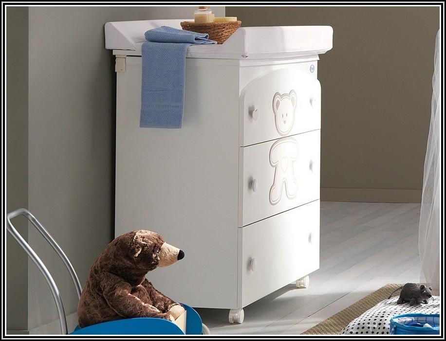 wickelkommode mit integrierter badewanne auf rollen badewanne house und dekor galerie. Black Bedroom Furniture Sets. Home Design Ideas