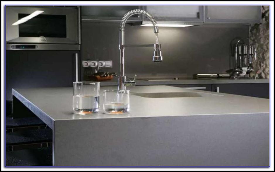 arbeitsplatte quarzstein oder granit arbeitsplatte house und dekor galerie elkgyyy1a7. Black Bedroom Furniture Sets. Home Design Ideas