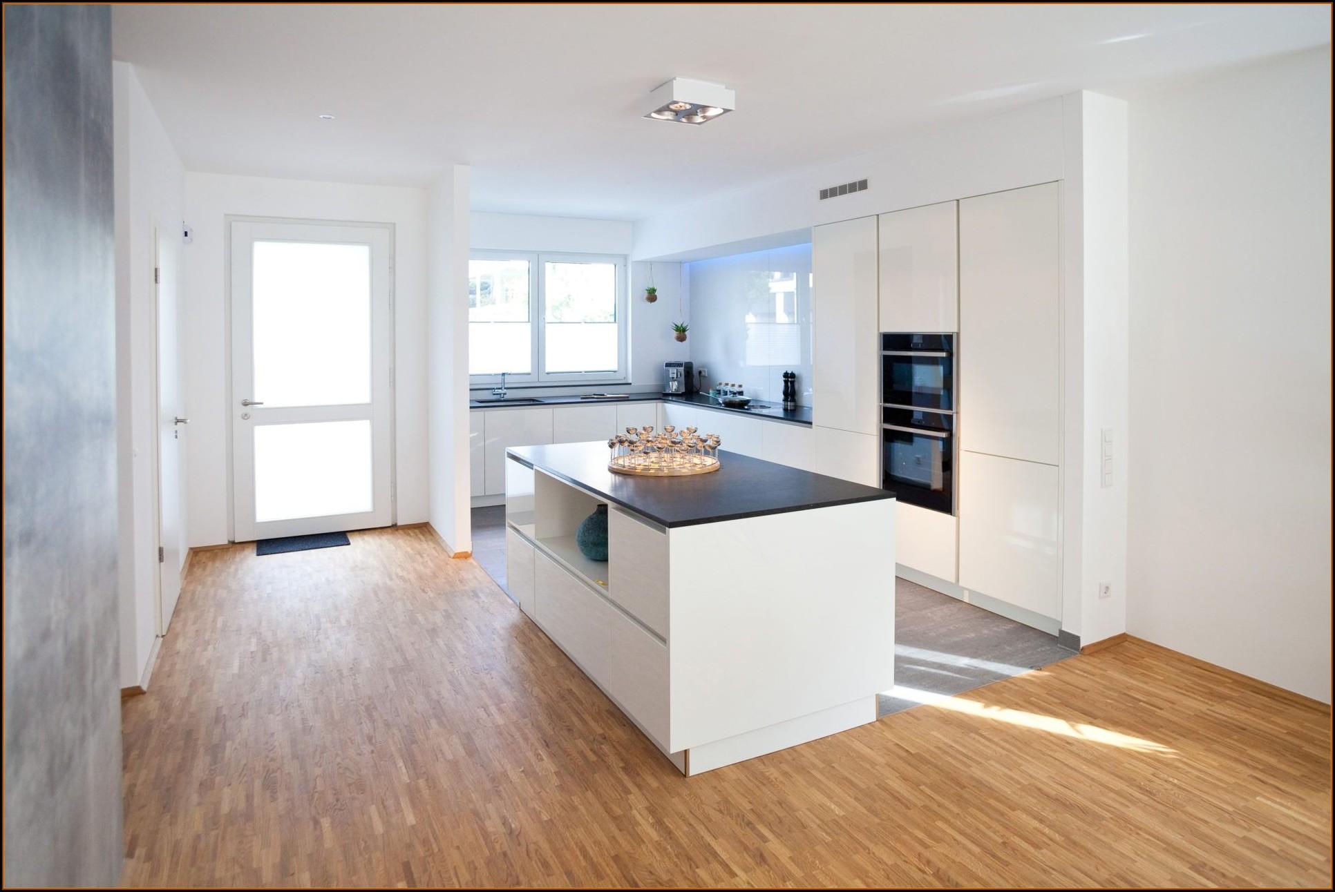 Kücheninsel Weiß