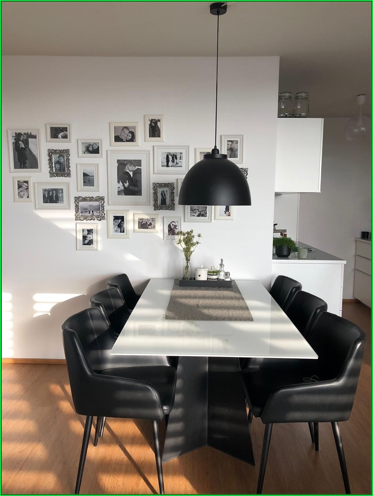 Esszimmer Mit Schwarzen Stühlen