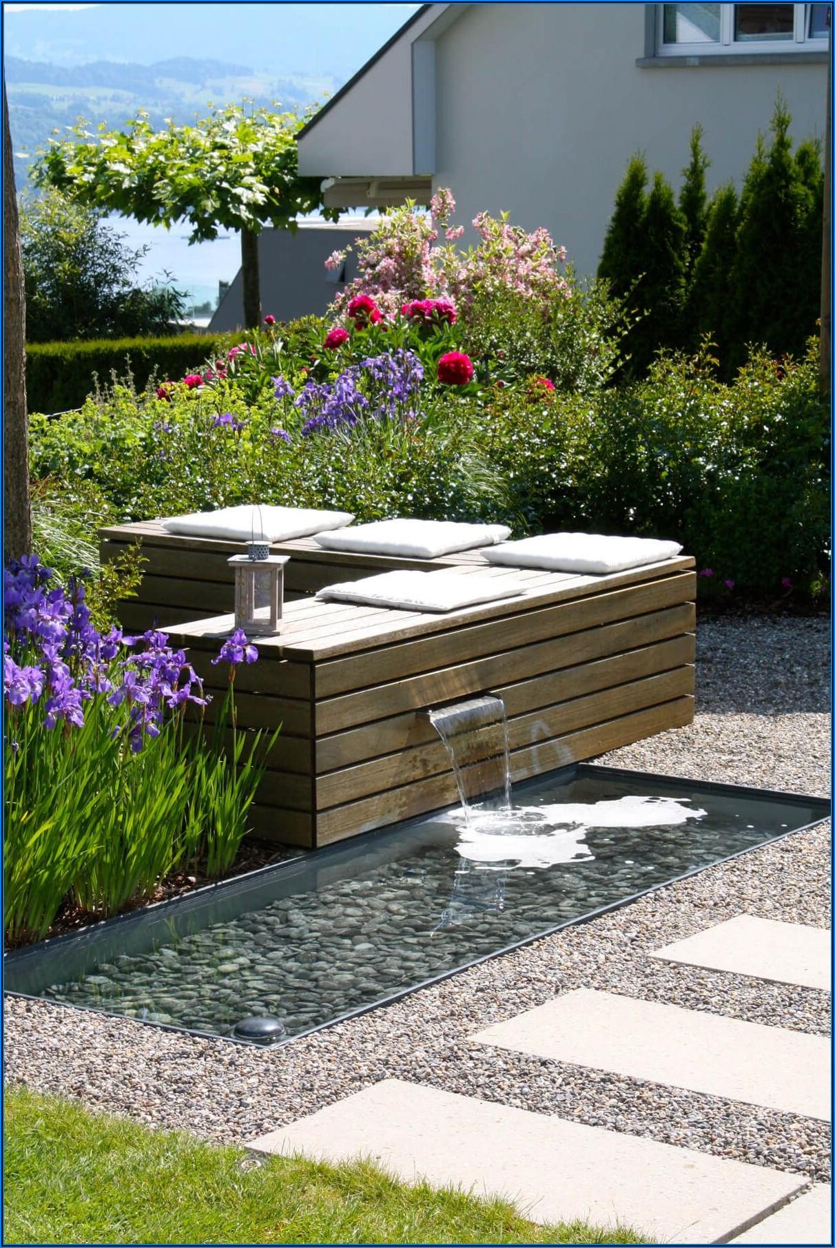 Kleines Wasserbecken Terrasse