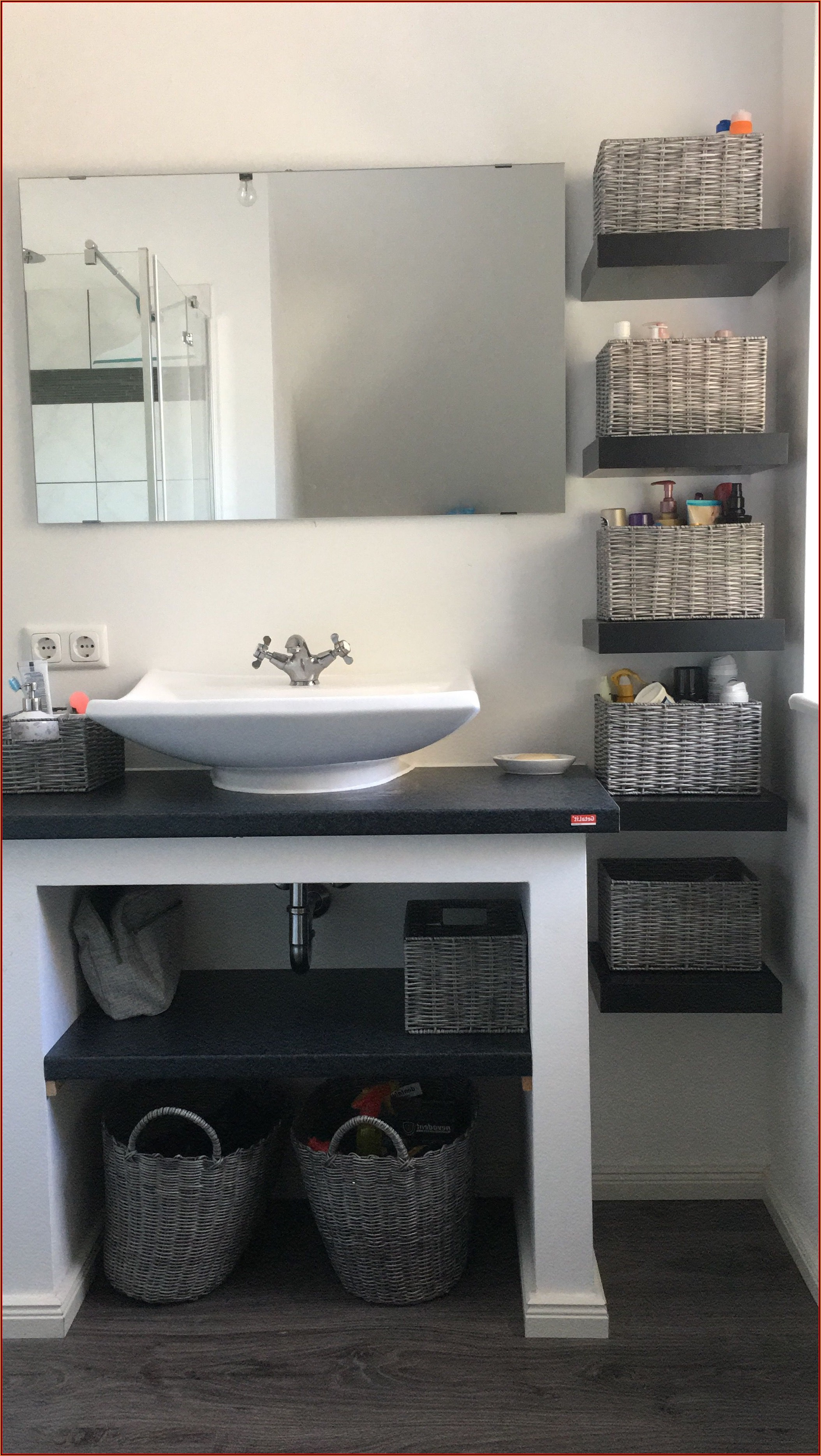 Badezimmer Regal Dekorieren