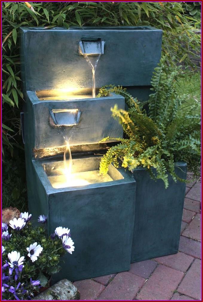 Brunnen Auf Terrasse Bilder