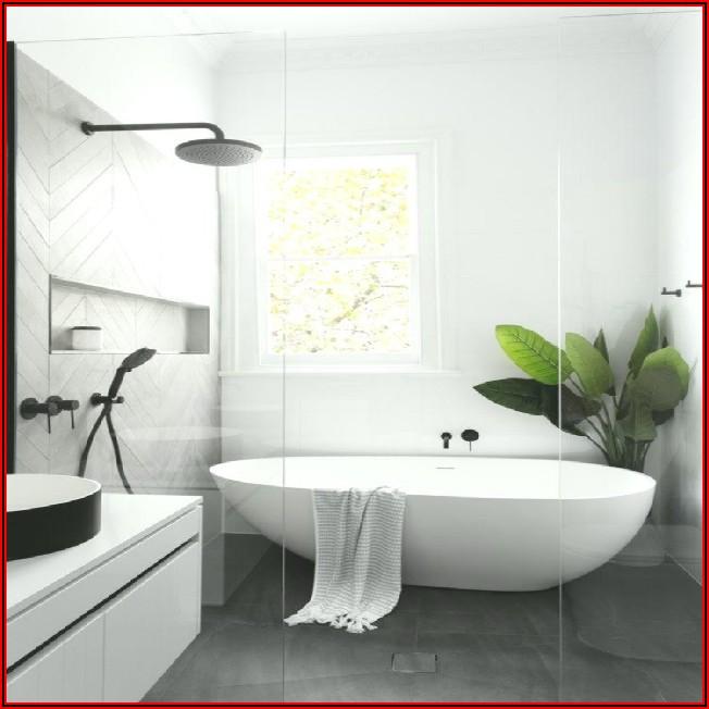 Kleines Bad Mit Badewanne Und Dusche
