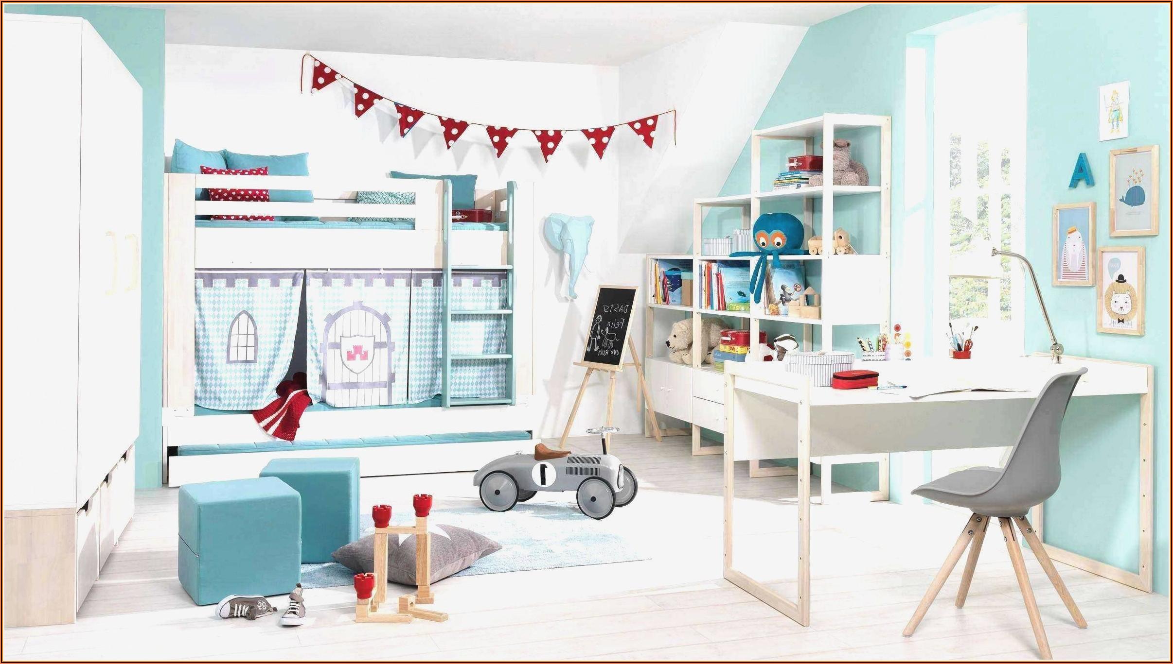 Junge Und Mädchen In Einem Kinderzimmer