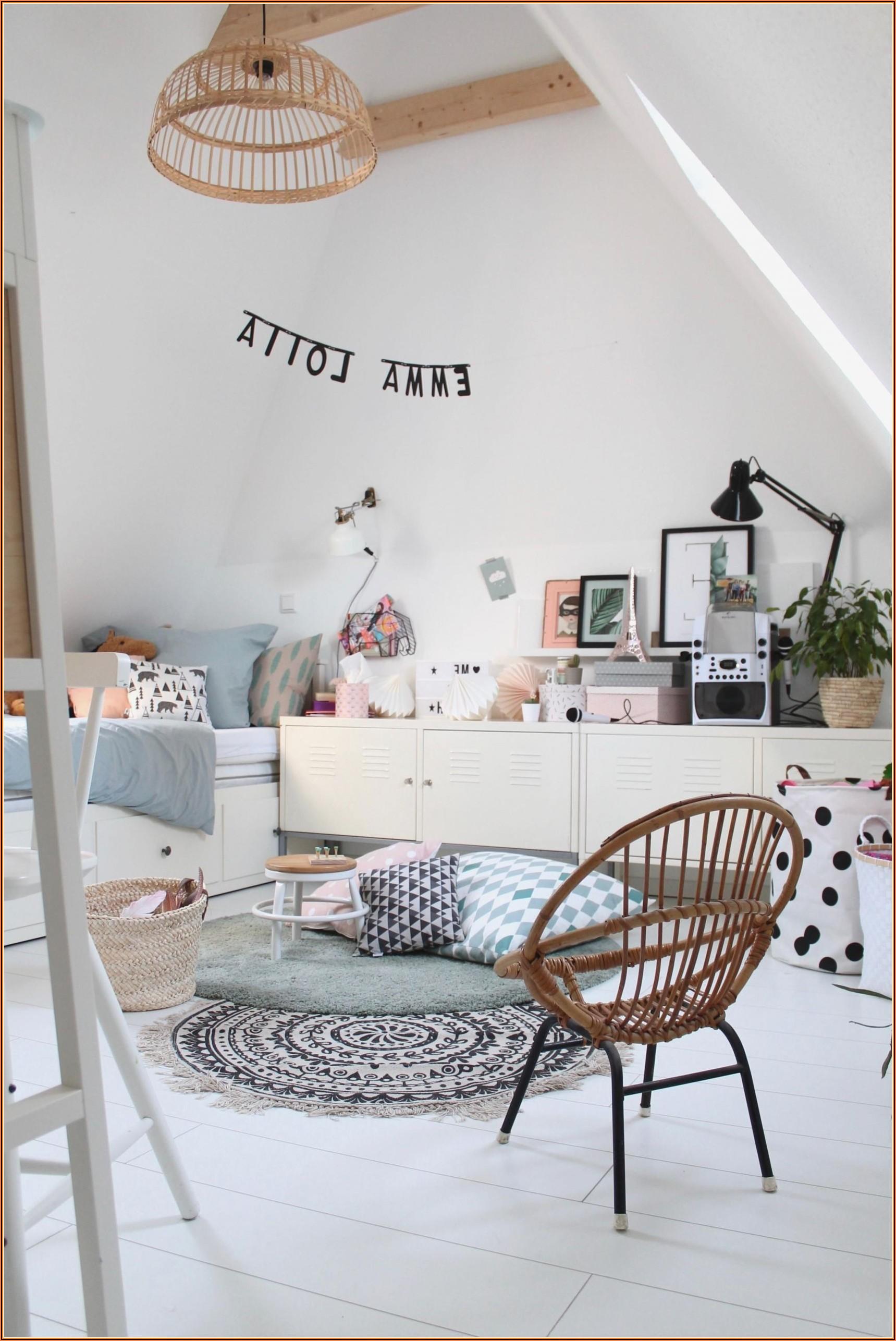 Kinderzimmer Auf Dem Dachboden