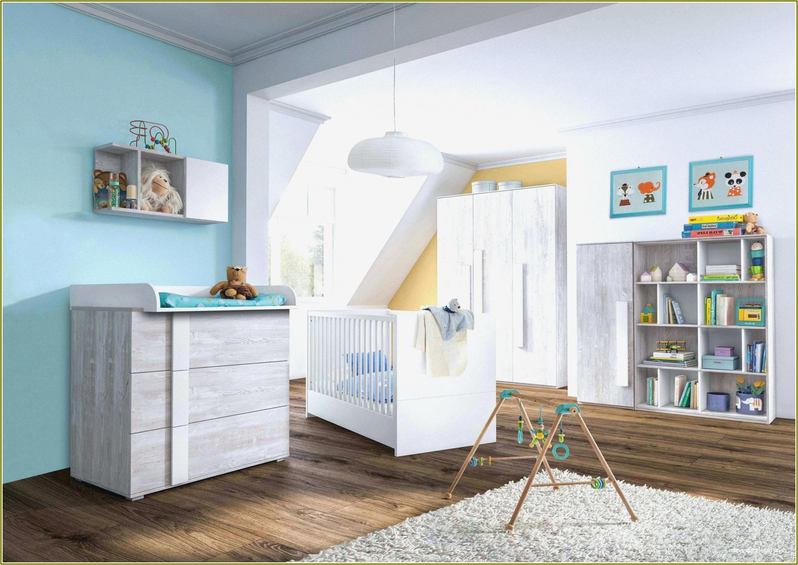 Kleines Kinderzimmer Mit Schräge