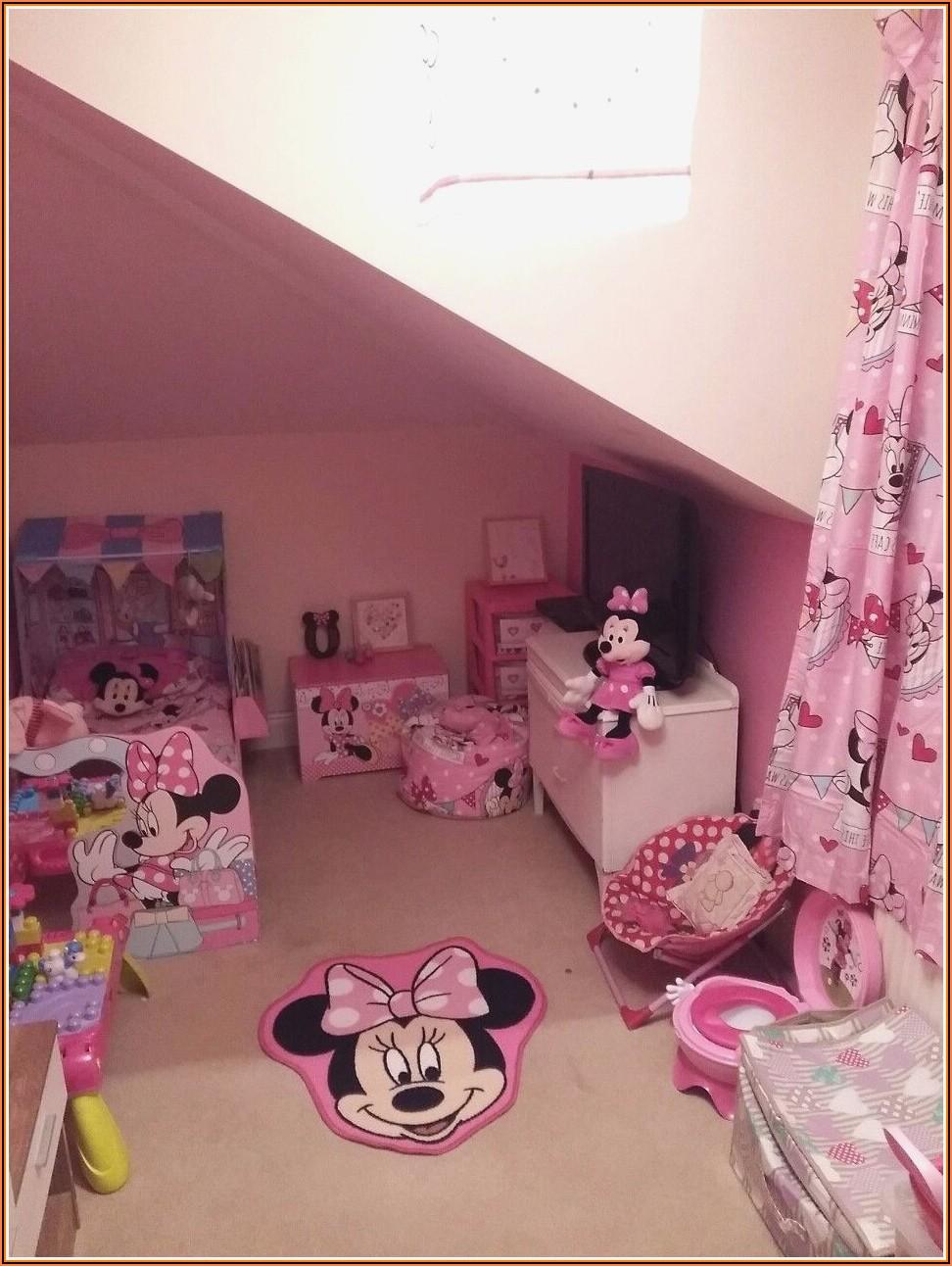 Mini Maus Babyzimmer