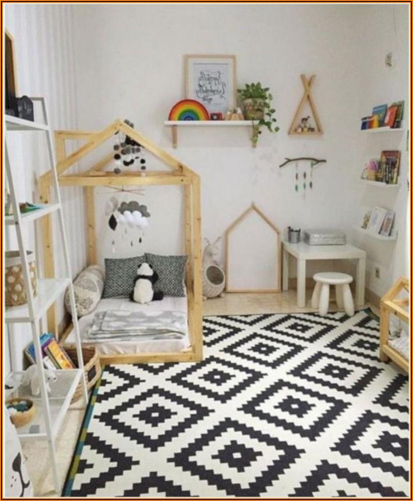 Kinderzimmer Deko über Bett