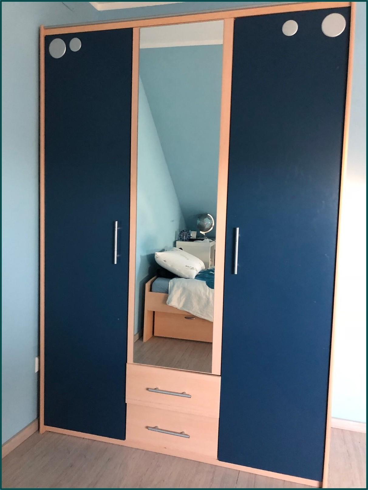 Kleiderschrank Mit Spiegel Im Kinderzimmer
