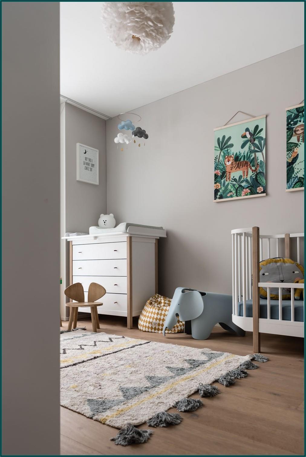 Kleines Kinderzimmer 2 Betten
