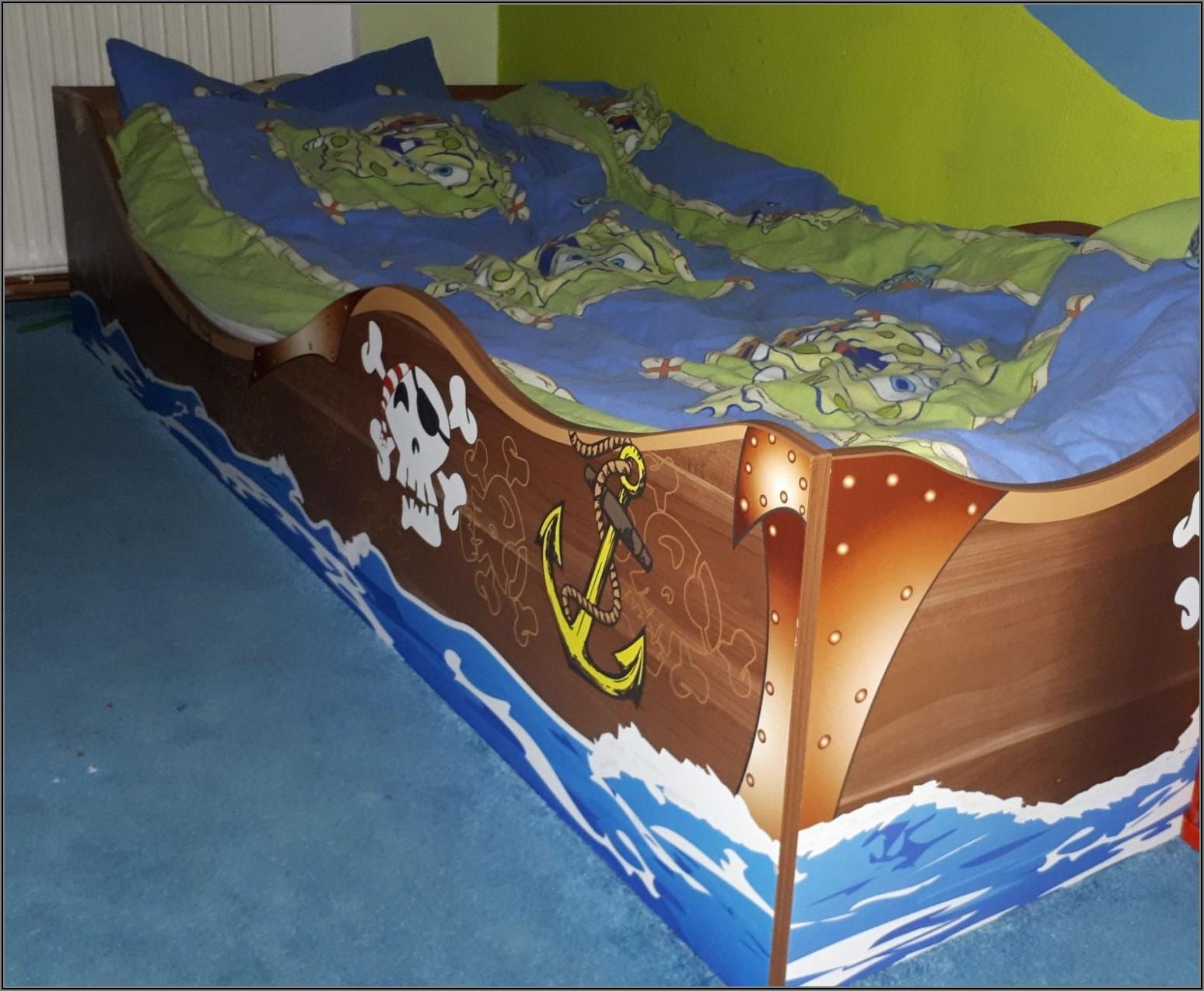 Lampe Bett Kinderzimmer