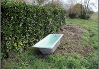 Alte Badewanne Im Garten