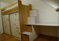 Kinderzimmer Mit Hochbett Und Schreibtisch